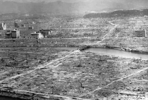 Джеймс Кэмерон займется фильмом об атомной бомбардировке Хиросимы