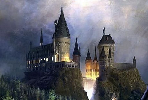 Пожар уничтожил школу волшебства Гарри Поттера