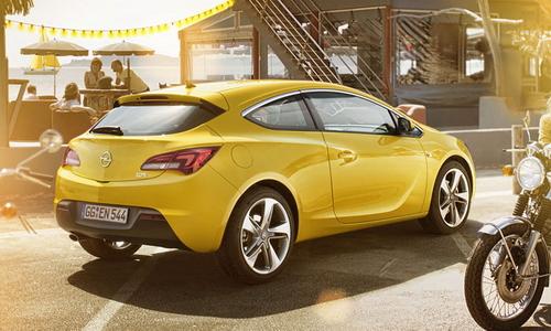 Фотографии новой трехдверки Opel Astra